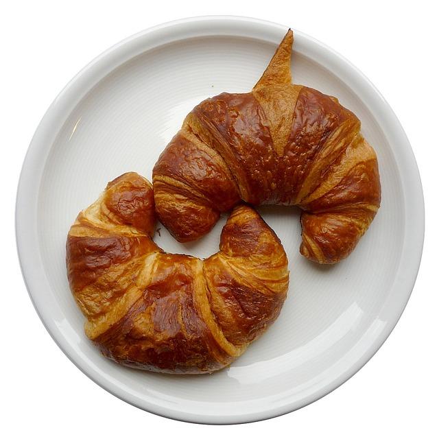 croissants-74288_640